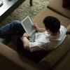 Kindle-DX-9-Lifestyle-couch.jpg