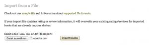 Goodreads bietet eine Massenimport-Funktion an.
