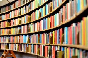 Bücher verkaufen: Platz schaffen im Regal