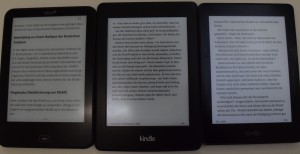 Tolino Vision 2, Kindle Paperwhite 2, Kindle Voyage (von links nach rechts, alle 100% Beleuchtung)
