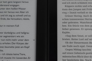Kobo Glo HD links, Tolino Vision 2 rechts (100% Beleuchtung)