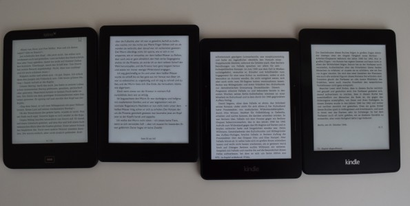 Von links: Tolino Vision 2, Kobo Glo HD, Kindle Voyage & PW 2 (alle 100% Beleuchtung)