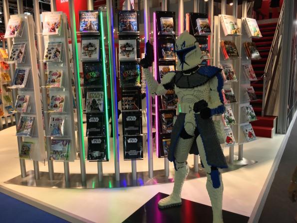 ...zumal Popkultur längst Einzug erhalten hat. Auswüchse wie eine dedizierte Manga-Halle (Leipziger Buchmesse) gibt es gleichwohl noch nicht.