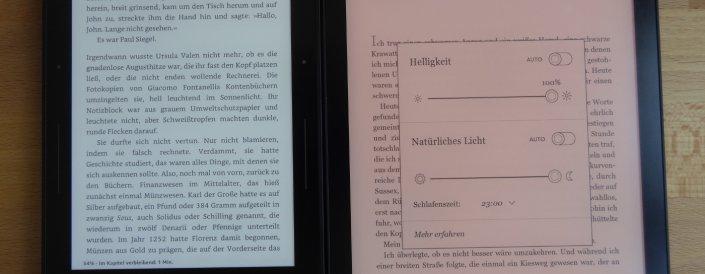 Kindle Voyage (100% Beleuchtung) links, Kobo Aura One rechts