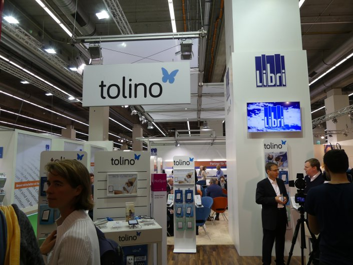 """E-Reading-Hardware wurde mehrheitlich nicht """"stand alone"""" präsentiert, sondern etwa als Anhängsel von Dienstleistern wie Libri (Tolino)..."""